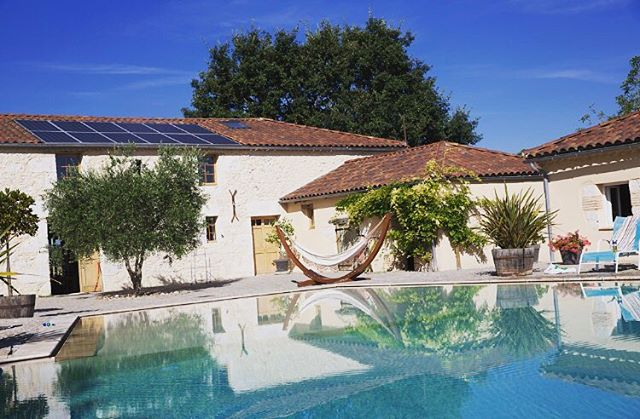 Looking forward to the warm weather coming back ☀️(📷 by one of our lovely guests) #domainederambeau #france #gite #bedandbreakfast #holidaydestination #summer #pooldays
