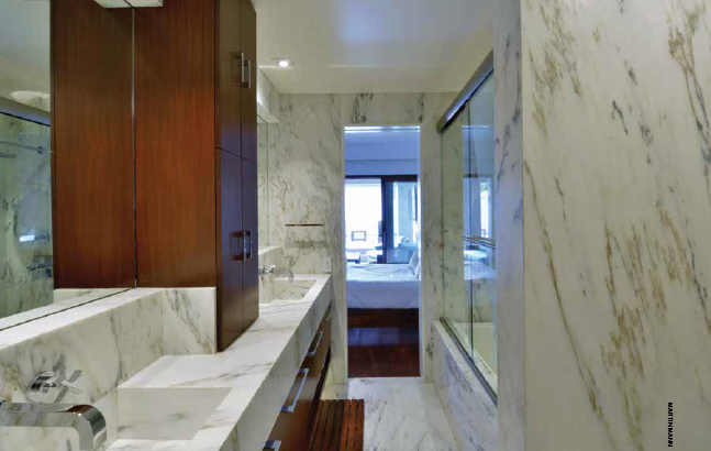 sdhg_0215_HOY_Bathroom.jpg