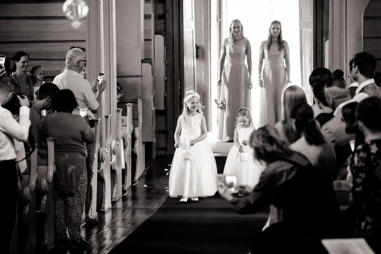 016_weddingphotographer_Bryllupsfotografering_Bryllupsbilder_fatmonkeyfoto_Bryllupsfotograf.jpg