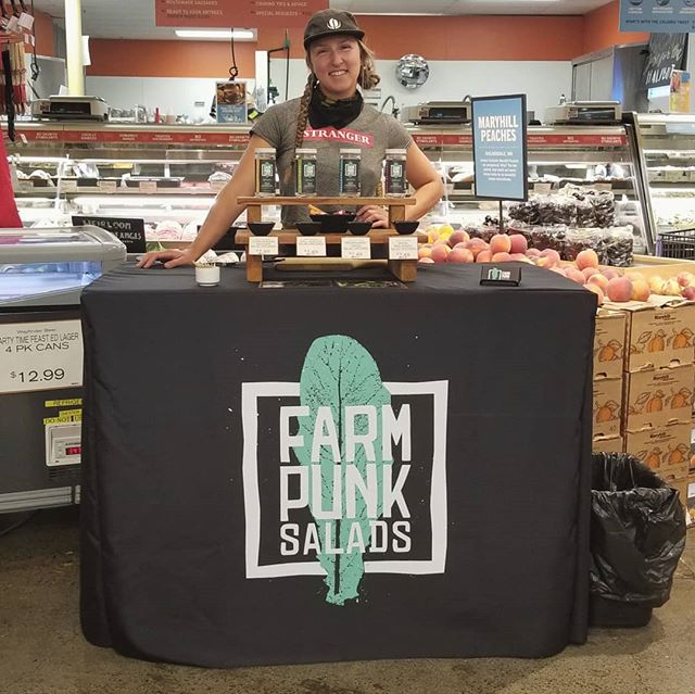 In a celebratory vendor showcase of portland female owned businesses, Quinn did her first demo @newseasonsmarket 7 corners today. With farm fresh radishes, carrots, and turnips to use to dip in dressing, this Farm Punk was stoked to be out there reppin our brand and supporting women in small business 💪🥬🤘 . . . #newseasonsmarket #farmpunksalads #farmpunk #portlandfarmersmarket #Woodlawnfarmersmarket #handtended #smallscalefarming #youngfarmers #portlandcsa #pdxfarms #pdxfoodie #pdxeats #eatlocalpdx #portlandketo #pdxvegan