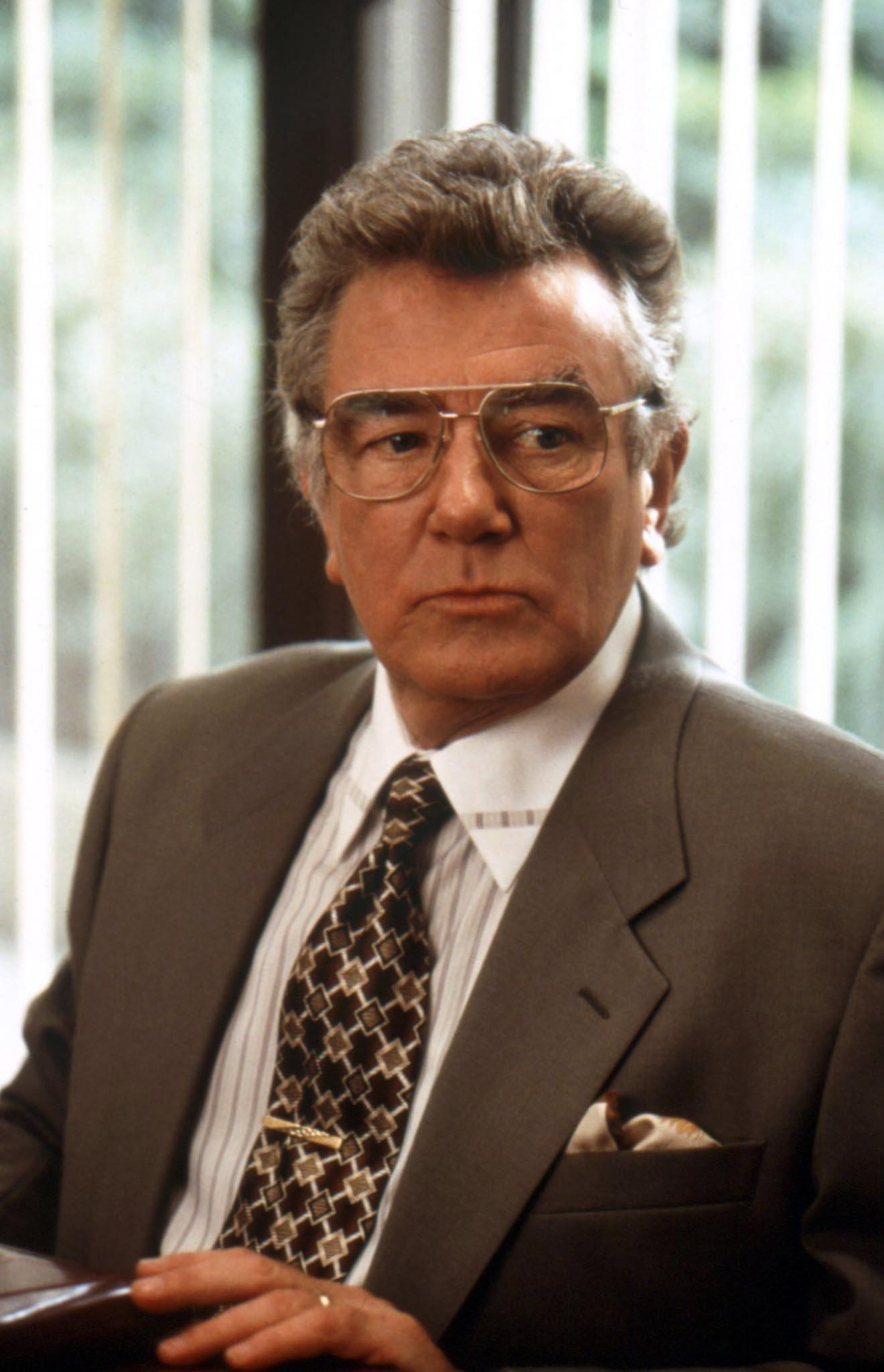 Albert Finney in Erin Brockovich (2000)