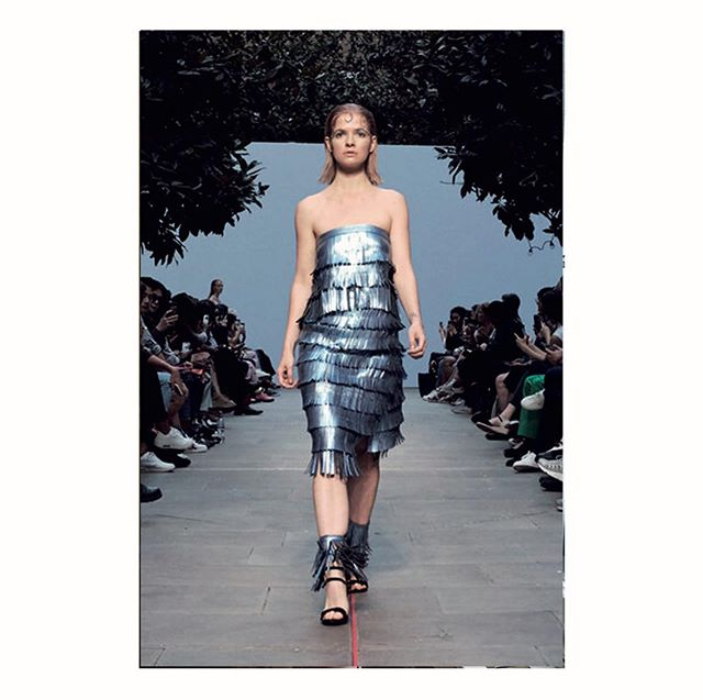 Look 3 of our new Spring Summer collection // Worn by Liza from @revoltmodelagency . . This couture dress is made of leather strips individually cut by hand to form fringes and wrapped around the body, adapting to any body shape and size. It is foiled with a non-plastic based coating. . . Pic by @pvdhstudio  @fashionfuturescatwalkshow .  #show #catwalk #metallics #modelling #londonstudio #fashionweek #sustainable #ethical #circulardesign #lasercutting #lineup #emergingdesigner #ecoconscious #ecofriendly #slowerconsumption #couture #technocraft #handmade #nomachines #micropigments #sculpture #surface #texture #textiles #zerowaste #science