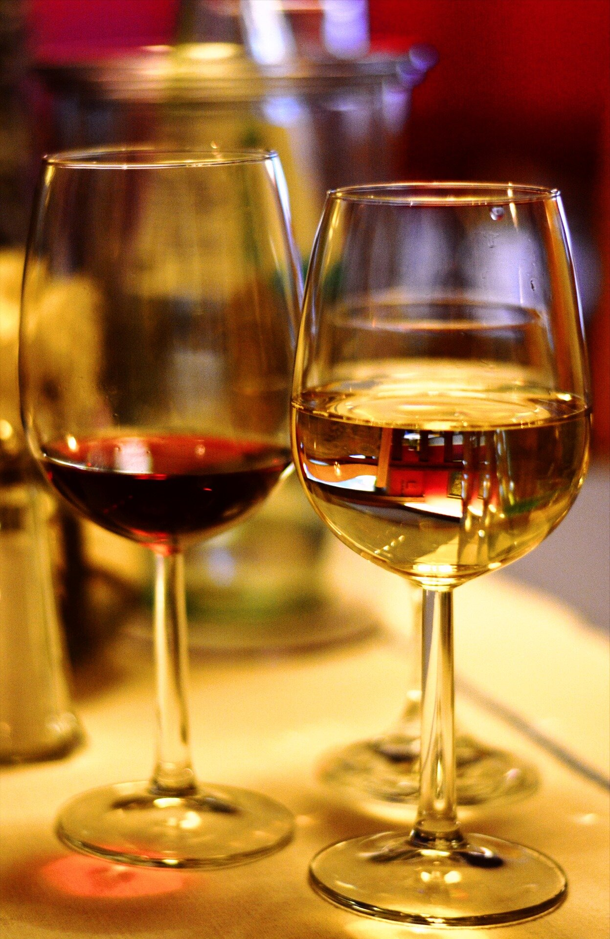 wine-glass-3476970_1920.jpg