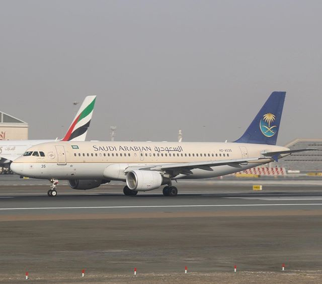 Saudi Arabian's Airbus A320 speeding up in Dubai. This airline is nine years old and has been part of the airline's fleet all along - @saudi_airlines #saudia #saudiarabianairlines #airbus @airbus #a320 #320 #DXB @dxb