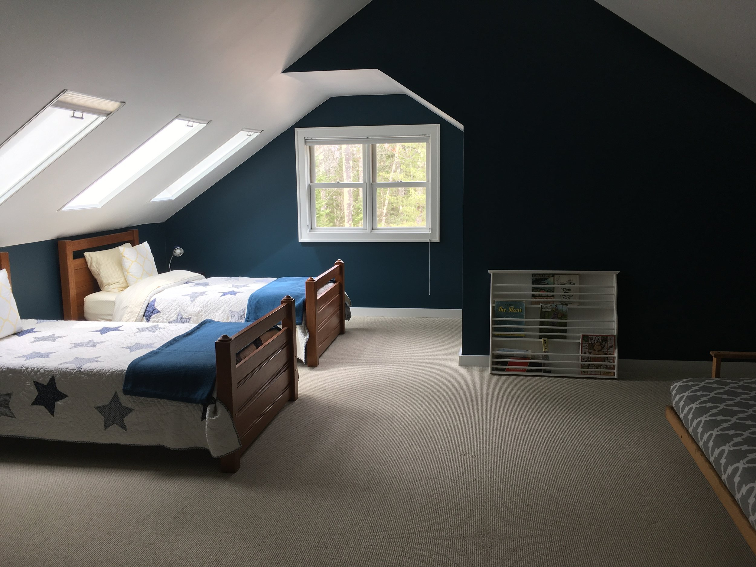 blue room with skylights for star viewing