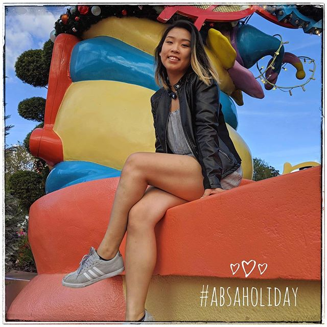 Hey ABSA! Hope everyone is enjoying the holiday season :) Our first #ABSAHoliday spotlight is Katherine Li!  Year: Sophomore Major: Accounting Katherine had a blast this week at Universal Studios! She especially enjoyed spending time with her family and drinking butterbeer. Katherine also has plans to travel to New York later this break before heading back to UT!