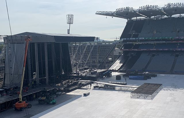 #1daytogo  Stage build well under way for Westlife! The set is arriving today on 50 trucks.  They have played 32 dates across Europe and have just 2 more to go in Europe before they head to Asia for 17 shows! Croker is the only outdoor venue you on the tour and by far the largest audience!  Are you ready for a 2 hour set packed with back to back hits?! We are at EvntzApp!  #westlife #nickybyrne #thetwentytour #yearsofwestlife #shanefilan #markfeehily #kianegan #westlifer #westlifereunion #westlifeforever #music #westlifetwenty #westlifers #years #boyband #westliferforever #nickybyrneshow #filaner #twentytour #westlifememories #ireland #westlifemusic #crokepark