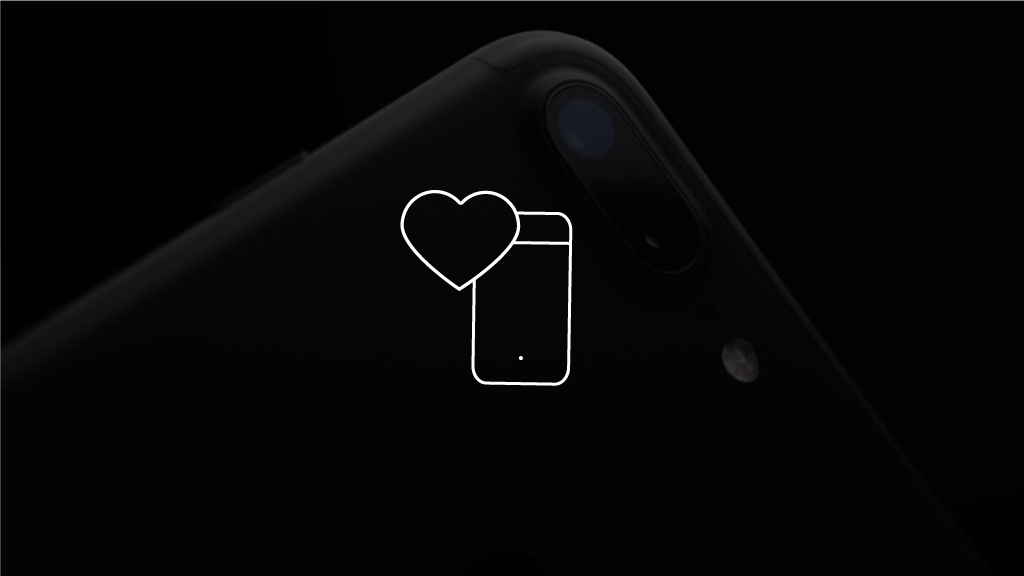 01 - Using the smartphone camera we record the PPG signal at the fingertip, which corresponds to the fluctuations in the perfusion of the blood vessels in the finger with blood as the heartbeats and the pulse propagates through the body.