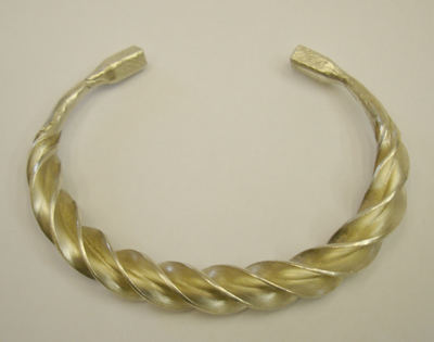 Silver flanged torc bangle