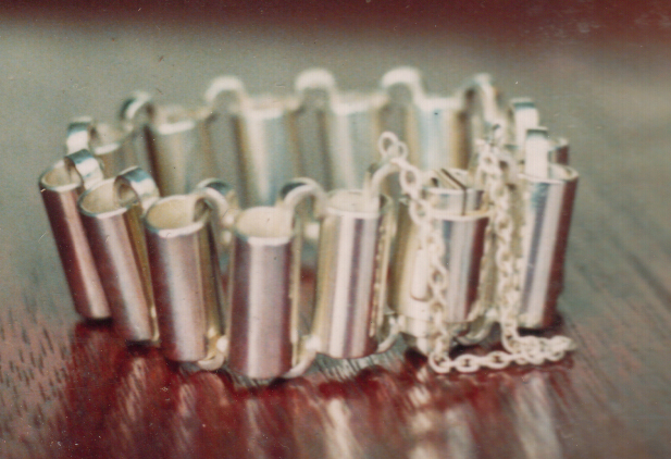Bracelet with tube links