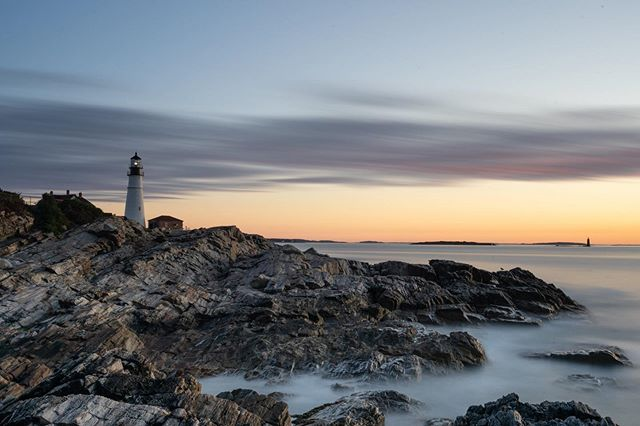 That's a big head light.  #ME • • • • • #zeiss #sunrise #sony #sonyalpha #skyporn #business #maine #portland #morning #carlzeiss #igersmaine #cloudporn #thewaylifeshouldbe #mainelife #sonyimages #success #skylovers #mainetheway #mainething #visitmaine #vacationland #landscape_lovers #landscapephotography #sonyphotography #travelling #traveler #tourism #sunshine #landscapes