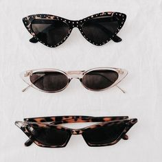 Tip #5: Sunglasses are your best friend! - I love accessorizing my minimal outfit with any type of sunglasses. Sunglasses are such a simple touch to an outfit, that can really amplify and take your wardrobe to the next level.