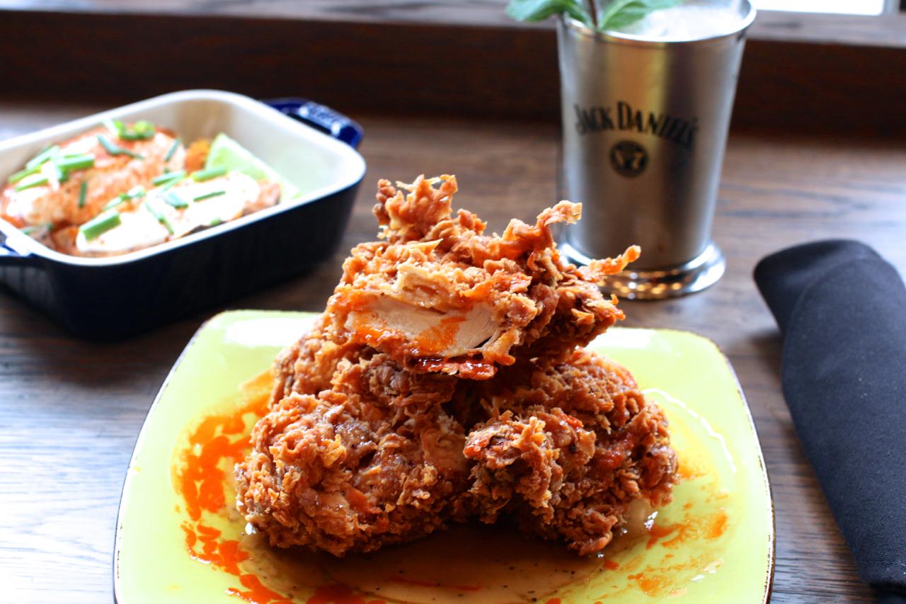 toronto-restaurants-union-chicken-sherway-gardens-yannick-bigourdan-fried-chicken