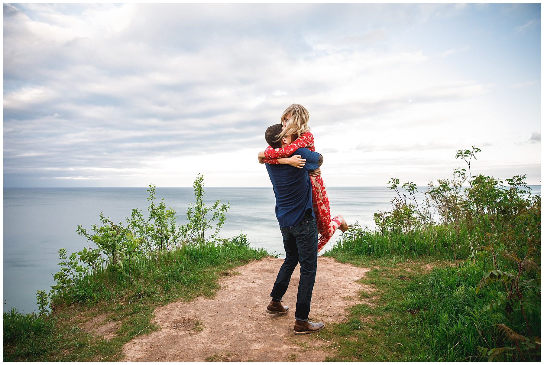 Hannah + Ben Engaged Milwaukee_0040.jpg
