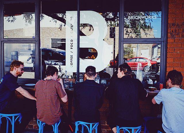 H A P P Y  F R I D A Y 🥳 - - - - #food#sydneyfood#burgers #breakfast#lunch#brunch#sydneybrunch#hugry#feedme#foodie#cooffeeshop #brickworkscafeartarmon #barista #cafe #latteart #awesome #coffee #sydney #sydneyfoodies #sydneybarista #northshore #northshorecafe #lamarzocco