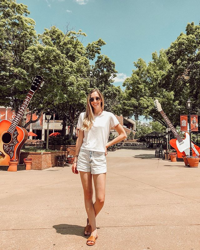If you were following along on my stories this weekend, you know the struggle was real trying to get this photo because of all the tourists at the @opry 🤪  In other news, I just finished writing a post about my favorite things we did in Nashville and it is now LIVE! 🎉 I shared travel tips, food recs, and outfit deets (for you girls). The link to the post is in my bio ✨ Vlog of the entire trip coming soon! 🤩  http://liketk.it/2BYq4 @liketoknow.it #liketkit #LTKtravel #LTKshoecrush #LTKunder100 #LTKspring  #LTKstyletip #outfitinspo #westcoastblogger #nashville #thegrandoleopry #newblogpost #everydaymadewell