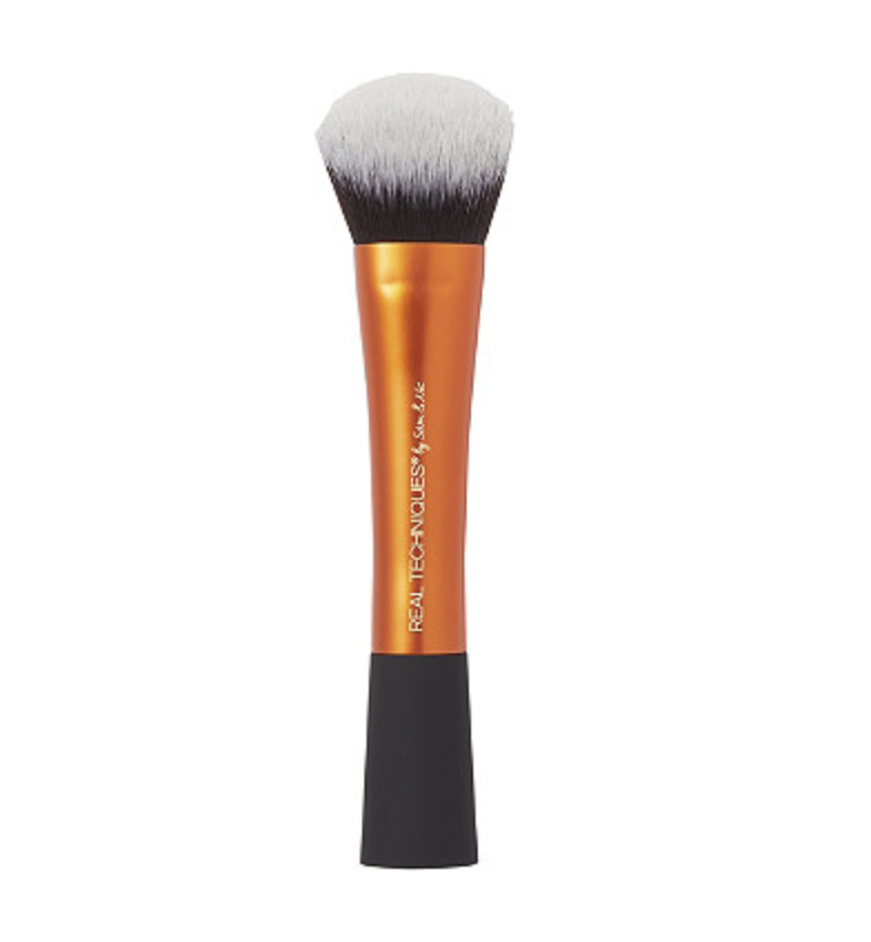 real techniques Instapop face brush - I use this brush to apply my foundation