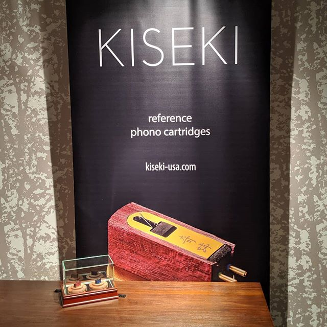 Kiseki phono cartridges excel at three dimensional imaging. One reason why the Purple Heart is VPI founder Harry Weisfeld's reference. @kiseki_audio Visit us in Room 7128 at @rmafdenver  #hifi #rmaf #audioporn #audiophile