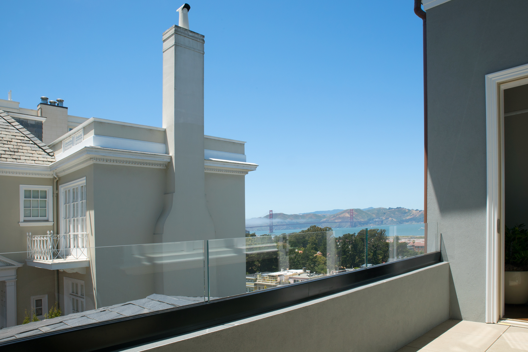 TT-2900-2131-Balcony-1800px.jpg