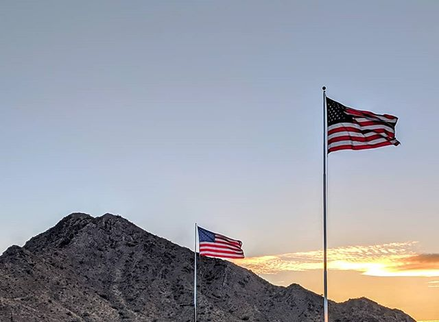 Remembering and honoring our U.S. military service men and women today.🇺🇲 #memorialday2019 #arizona #americathefree #usflag #arizonasunset #worldofarizona #neverforget #wesaluteyou #usmilitary #usa #homeofthefreeandthebrave #arizonamountains #rememberingthefallen #ourheroes #thankyouforyourservice