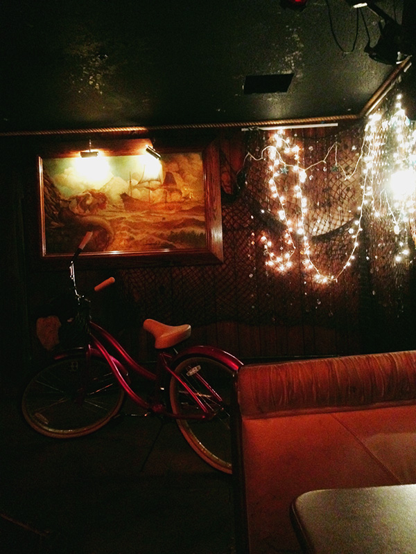 Redwood-Bar-and-Grill-from-Bridesmaids-500-Days-of-Summer-Veronica-Mars-photo-by-Live-the-Movies-stage.jpg