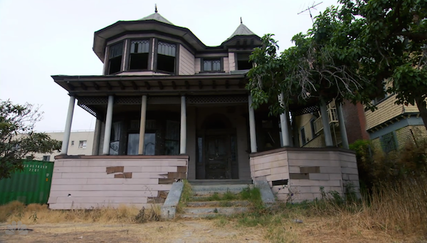 Andy-and-April-creepy-new-house-from-Parks-and-Recreation-Season-7-4.png