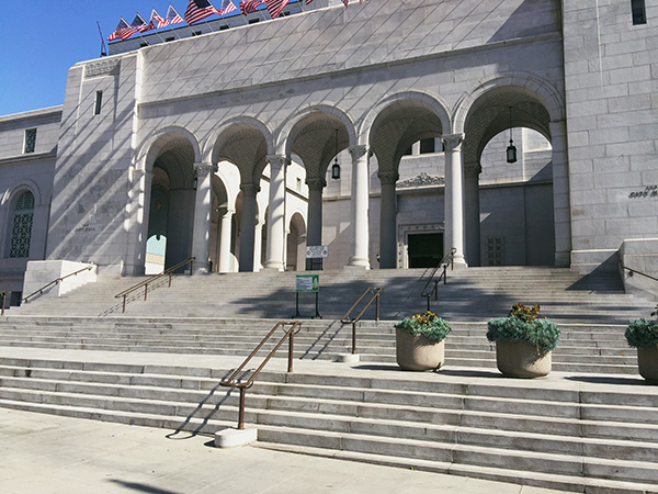 Los-Angeles-City-Hall-photo-by-Live-the-Movies.jpg