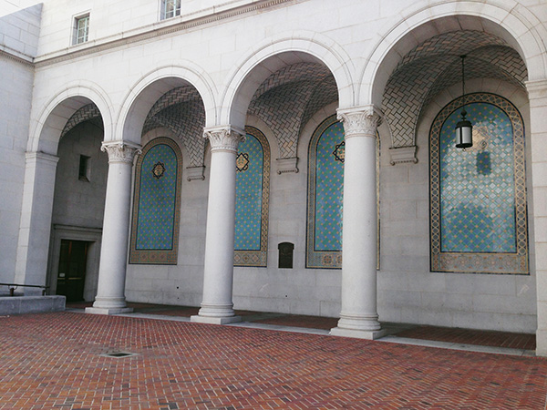 Los-Angeles-City-Hall-from-Nancy-Drew-and-HTGAWM-photo-by-Live-the-Movies-4.jpg