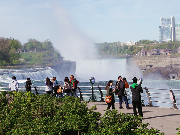 Prospect-Point-at-Niagara-Falls-from-Fever-Pitch-1.jpg
