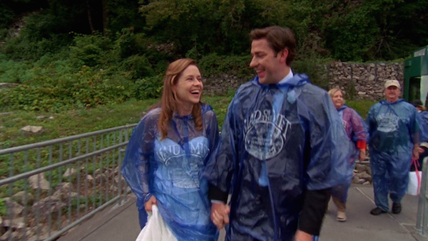 Niagara-Falls-Jim-and-Pam-get-married-on-The-Office-4.png
