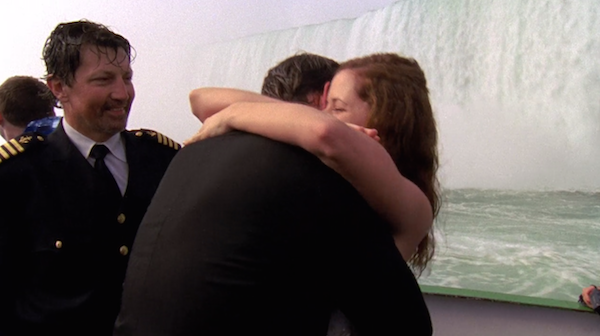 Niagara-Falls-Jim-and-Pam-get-married-on-The-Office-11.png