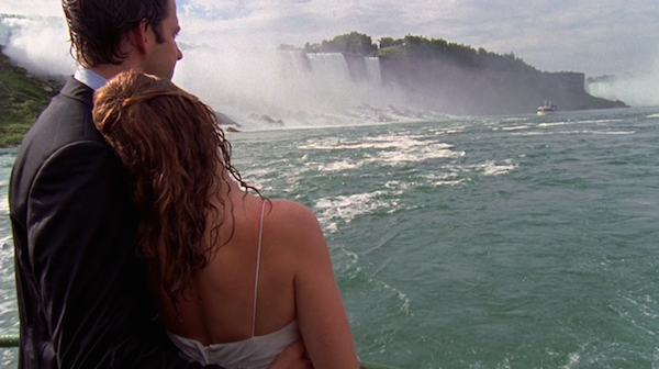 Niagara-Falls-Jim-and-Pam-get-married-on-The-Office-12.png