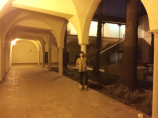 Alex-Jackman-in-courtyard-hallway-at-Torrance-High-School-as-Sunnydale-High-photo-by-Live-the-Movies.jpg