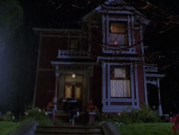 Haliwell-Manor-house-from-Charmed-photo-by-Live-the-Movies-2.png