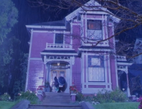 Haliwell-Manor-house-from-Charmed-photo-by-Live-the-Movies-3.png