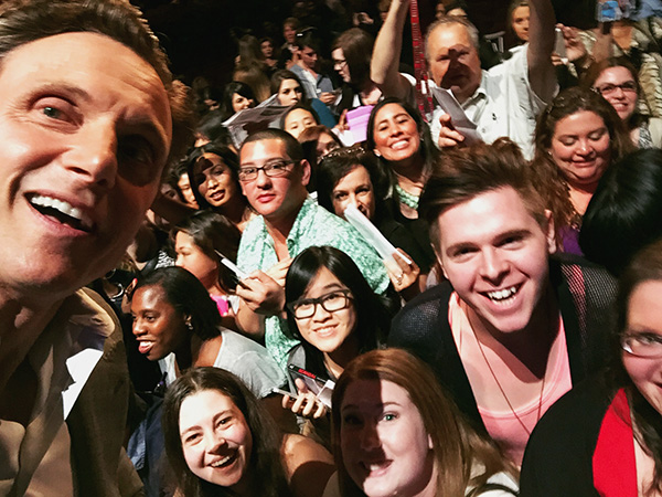 Tony-Goldwyn-selfie-at-Scandal-PaleyFest-panel-2015-photo-by-Live-the-Movies.jpg