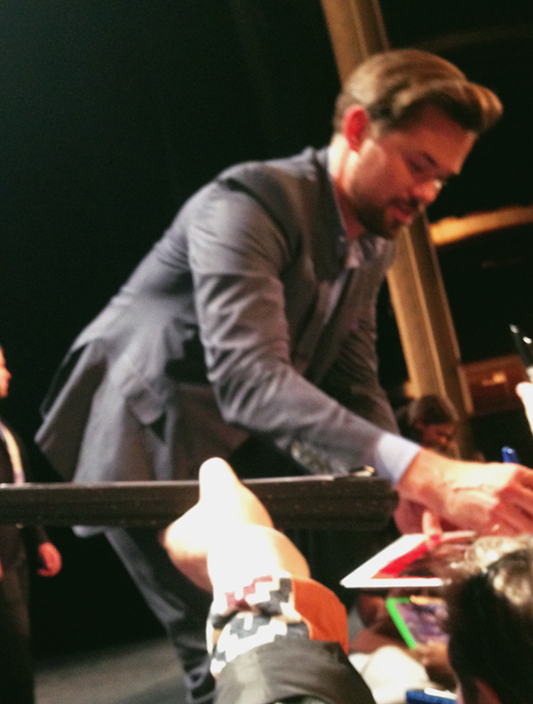 Andrew-Rannells-signing-autographs-at-Girls-PaleyFest-panel-2015-photo-by-Live-the-Movies.jpg