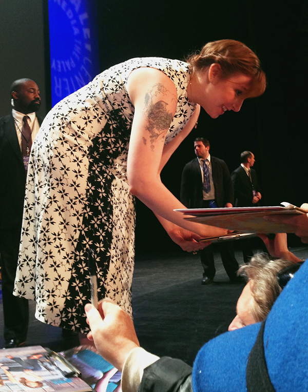 Lena-Dunham-signing-autographs-at-Girls-PaleyFest-panel-2015-photo-by-Live-the-Movies.jpg