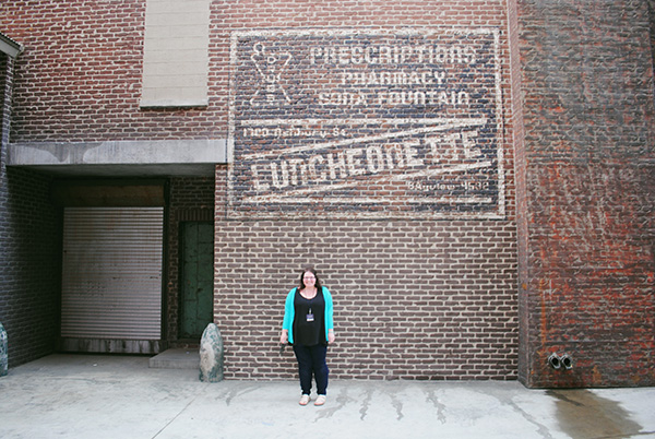 Christina-LeBlanc-at-the-Luncheonette-from-Parenthood-on-Universal-Studios-Backlot-Live-the-Movies.jpg