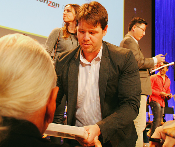 Ike-Barinholtz-signing-autographs-at-Mindy-Project-PaleyFest-2014-photo-by-Live-the-Movies.jpg