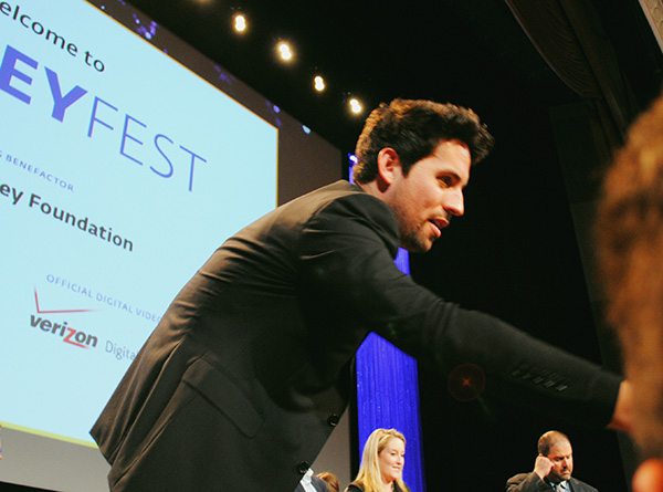 Ed-Weeks-signing-autographs-at-Mindy-Project-PaleyFest-2014-photo-by-Live-the-Movies.jpg