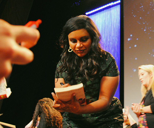 Mindy-Kaling-signing-autographs-at-Mindy-Project-PaleyFest-2014-photo-by-Live-the-Movies-2.jpg