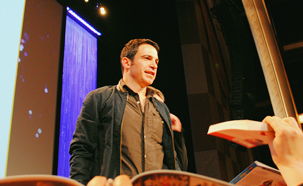Chris-Messina-signing-autographs-at-Mindy-Project-PaleyFest-2014-photo-by-Live-the-Movies-2.jpg