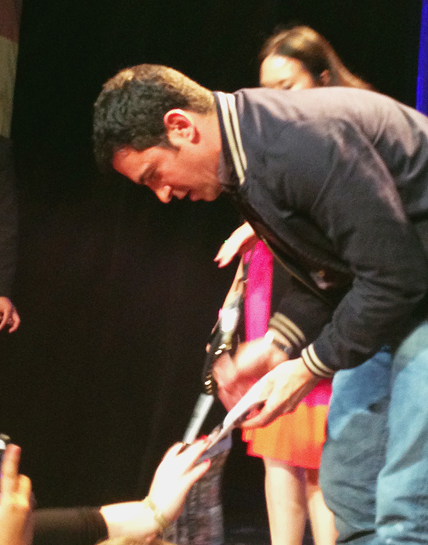 Chris-Messina-signing-autographs-at-Mindy-Project-PaleyFest-2014-photo-by-Live-the-Movies-3.jpg