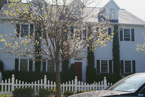 Hanna-Marin-House-from-Pretty-Little-Liars-WB-Tour-by-Live-the-Movies.jpg