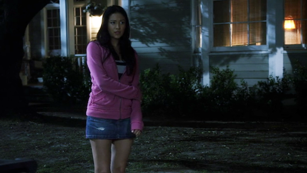 Pretty-Little-Liars-Emilys-House-s1.png