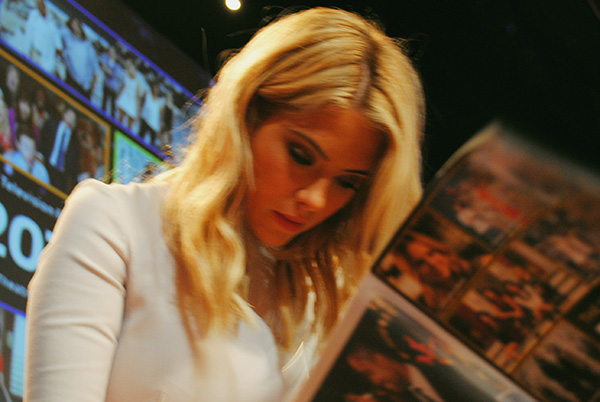 Ashley-Benson-2-signing-autographs-at-Pretty-Little-Liars-PaleyFest-panel-Live-the-Movies.jpg