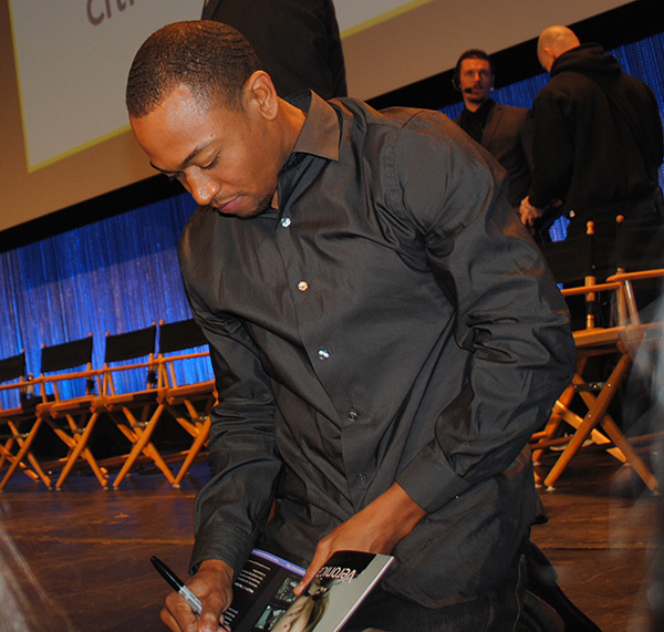Percy-Daggs-III-Signs-at-Veronica-Mars-PaleyFest-Live-the-Movies.jpg
