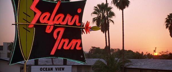 Safari-Inn-Burbank-from-Apollo-13-1.png