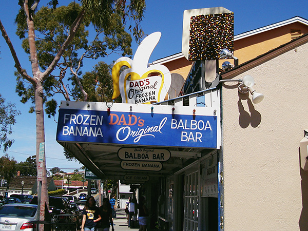 Dads-Donuts-Frozen-Banana-from-Newport-Harbor-Balboa-Island-Arrested-Development-Live-the-Movies.jpg